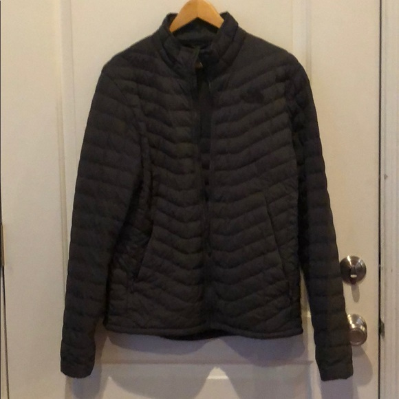 36ae505170 Men s North Face Stretch Thermoball Jacket. M 5af62a9431a3765b2b53d366